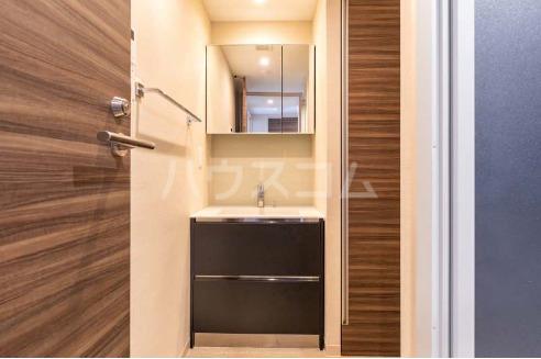 La mer 久茂地 704号室の洗面所