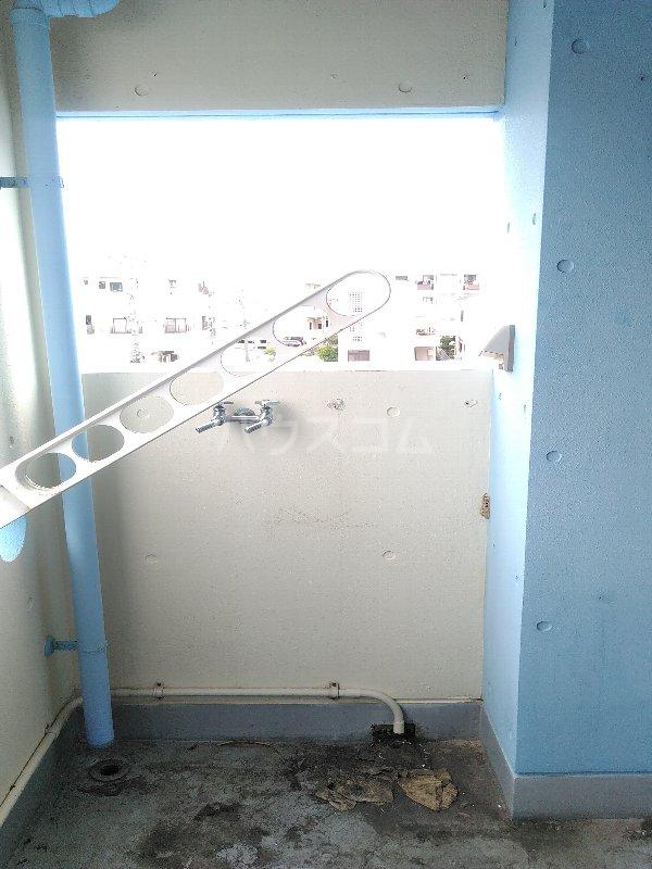 マリンハウス 301号室のバルコニー