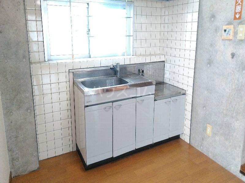 マリンハウス 301号室のキッチン