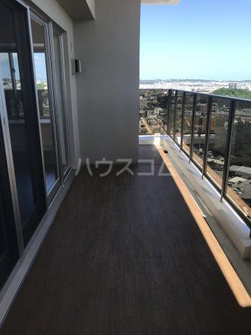 ミルコマンション沖縄市与儀グランパーク 1405号室のバルコニー