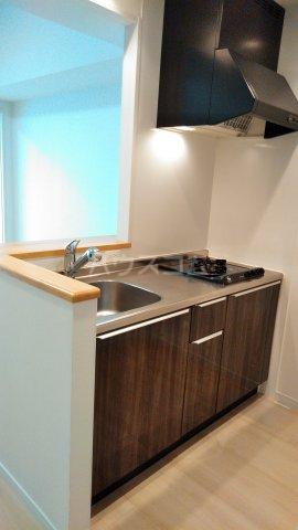 グランドテラス新都心 707号室のキッチン