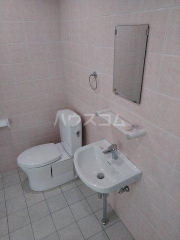 クレアドールⅢ 406号室の洗面所