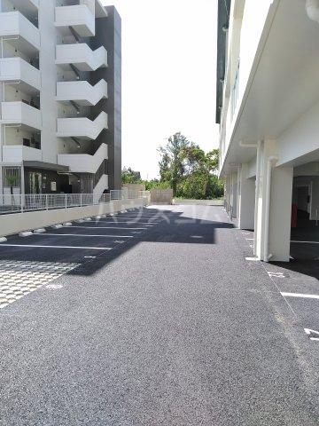クレアドールⅢ 504号室の駐車場
