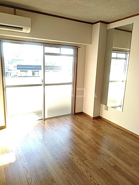 シティキャビン 402号室の居室