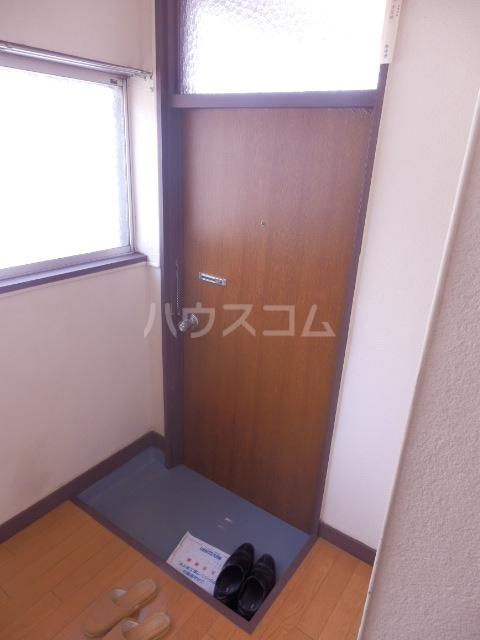 織戸ハイツ 205号室の玄関
