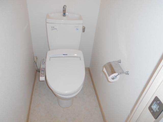 プライマル三軒茶屋 401号室のトイレ