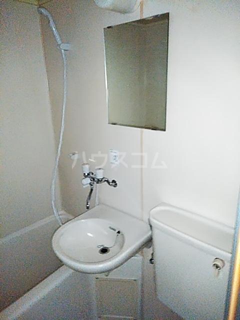 メルシー世田谷 203号室の洗面所