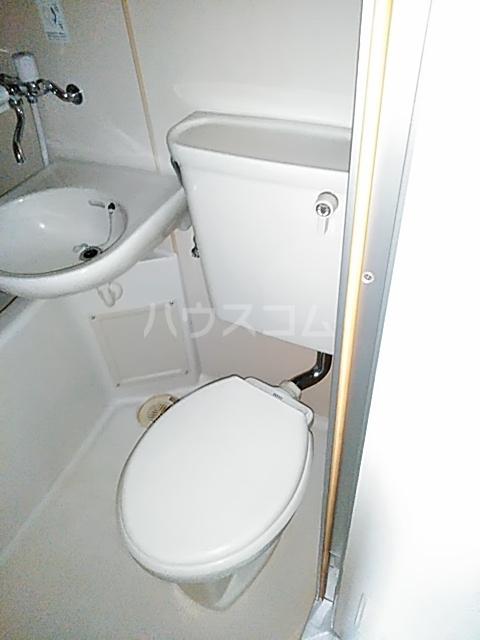 メルシー世田谷 203号室のトイレ