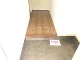コーポラス管石 106号室の玄関