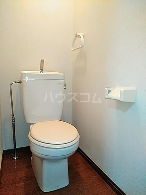 クレセントC 101号室のトイレ