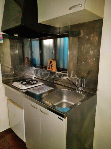 クレセントC 105号室のキッチン