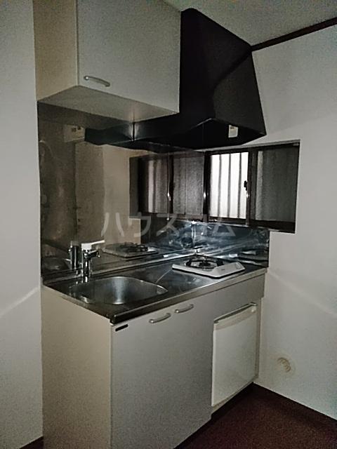 クレセントC 205号室のキッチン
