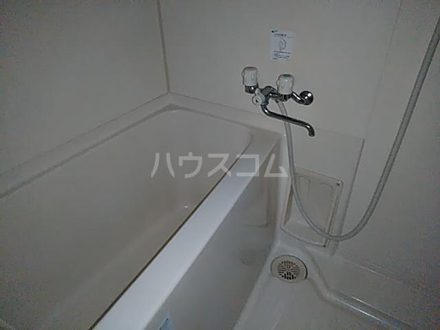 クレセントC 205号室の風呂