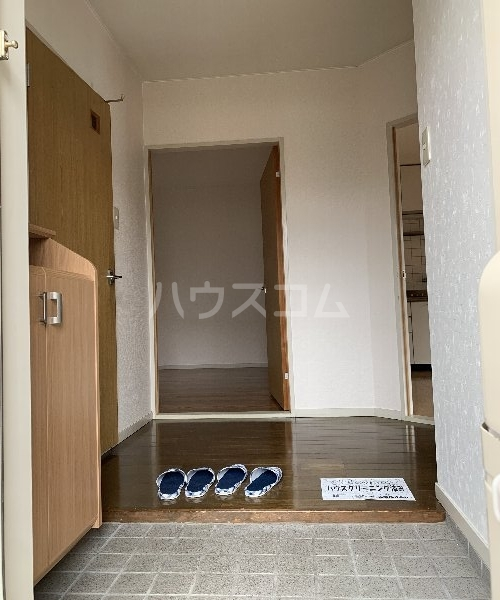 K,Sコート 103号室の玄関