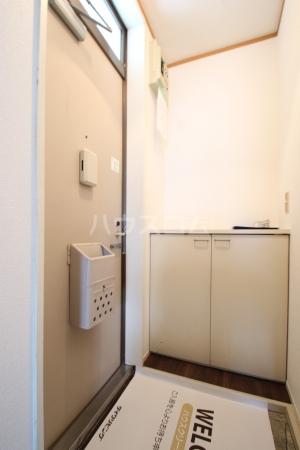 コーポ白水 203号室の玄関