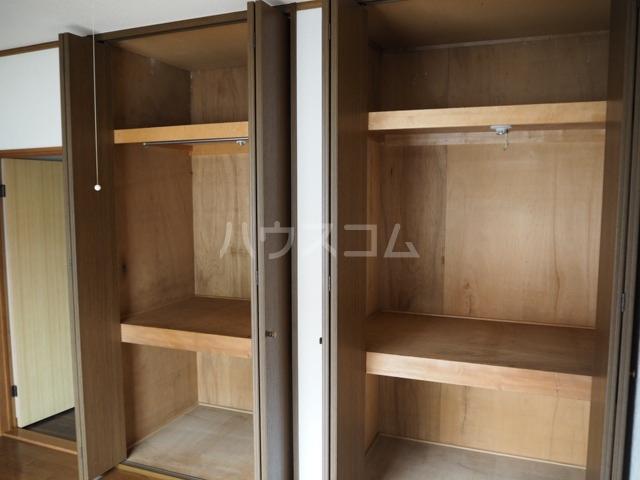 メゾンアキモト 102号室の収納