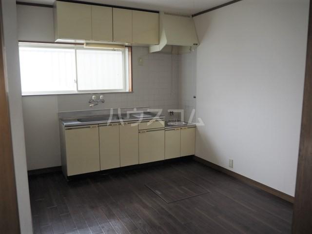 メゾンアキモト 102号室のキッチン