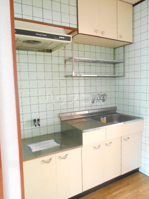 高尾コーポ 205号室のキッチン