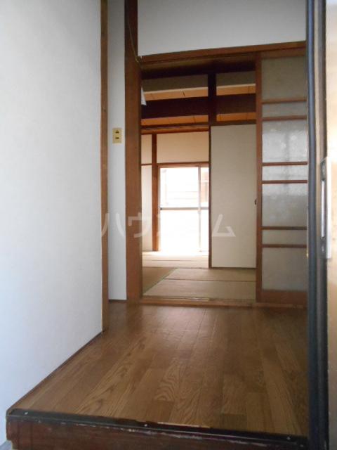 高尾コーポ 205号室の玄関