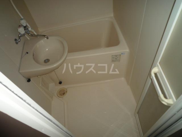 ジュネスケンイチ 201号室の風呂