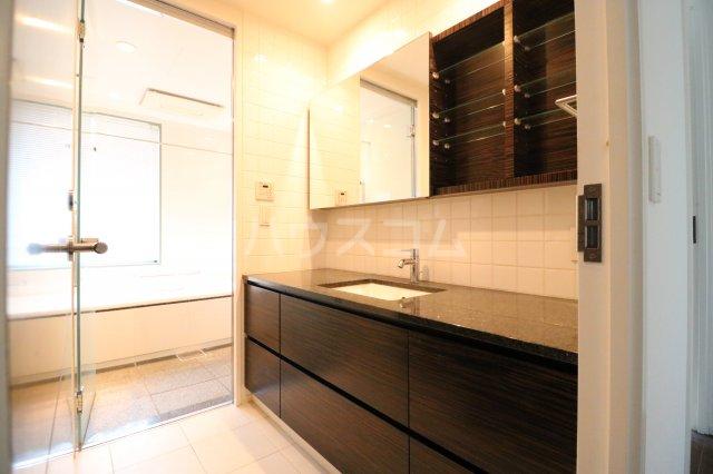 Brillia大濠一丁目 401号室の洗面所