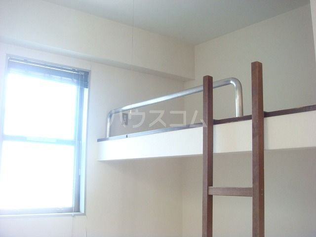 ビューハイツ1 301号室のベッドルーム