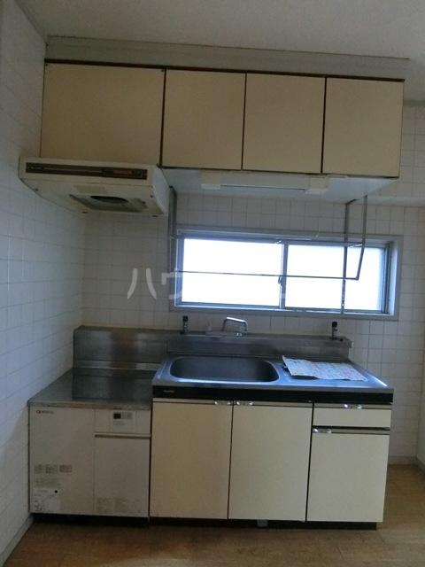 第1占部ビル 402号室の洗面所