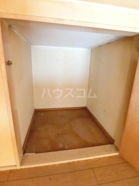 ウイング筥松 A101号室のベッドルーム
