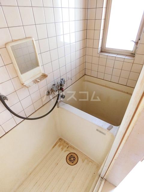 ウイング筥松 A101号室の風呂