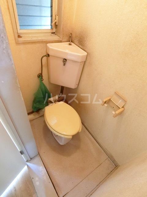 ウイング筥松 A101号室のトイレ