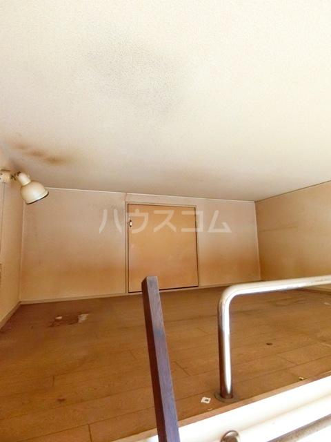 ウイング筥松 A101号室のロビー
