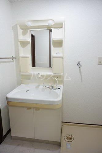 セントレージ博多 203号室の洗面所