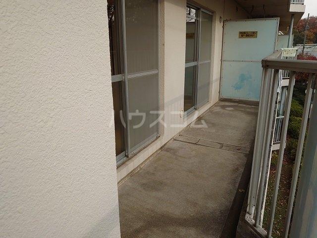 ウィンローレルマンション 203号室のバルコニー