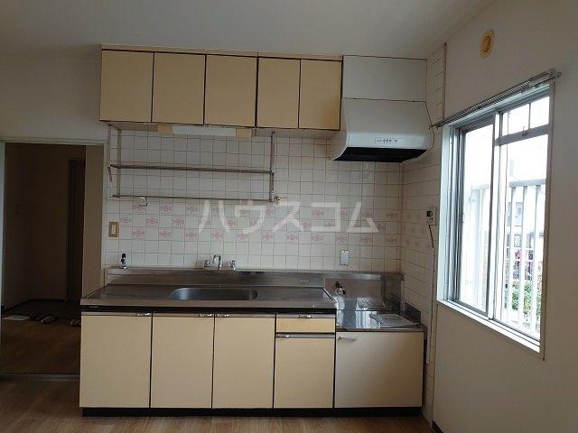 ウィンローレルマンション 203号室のキッチン