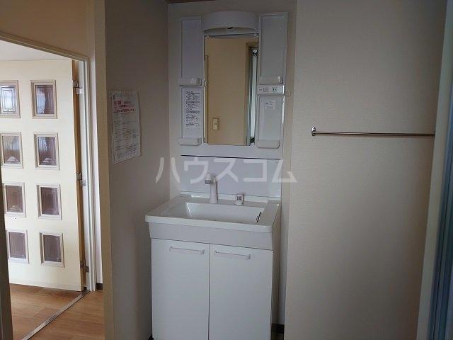 ウィンローレルマンション 203号室の洗面所