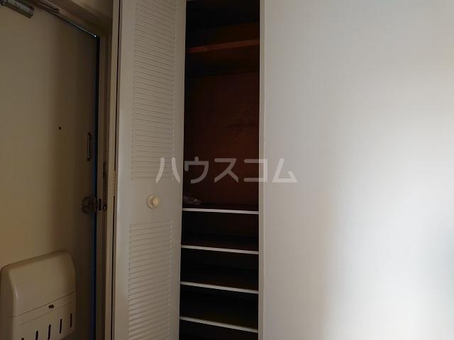 ウィンローレルマンション 203号室の収納