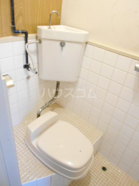 さくら荘1 8号室のトイレ