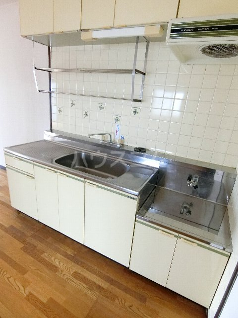 エステート筥松 301号室のキッチン