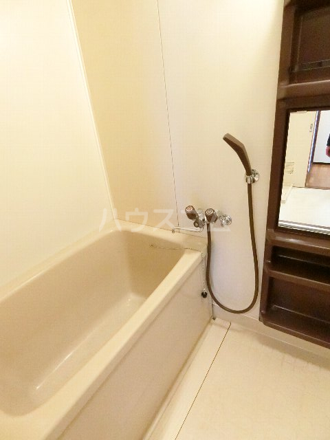 エステート筥松 301号室の風呂
