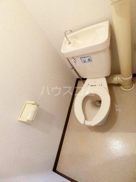 エステート筥松 301号室のトイレ