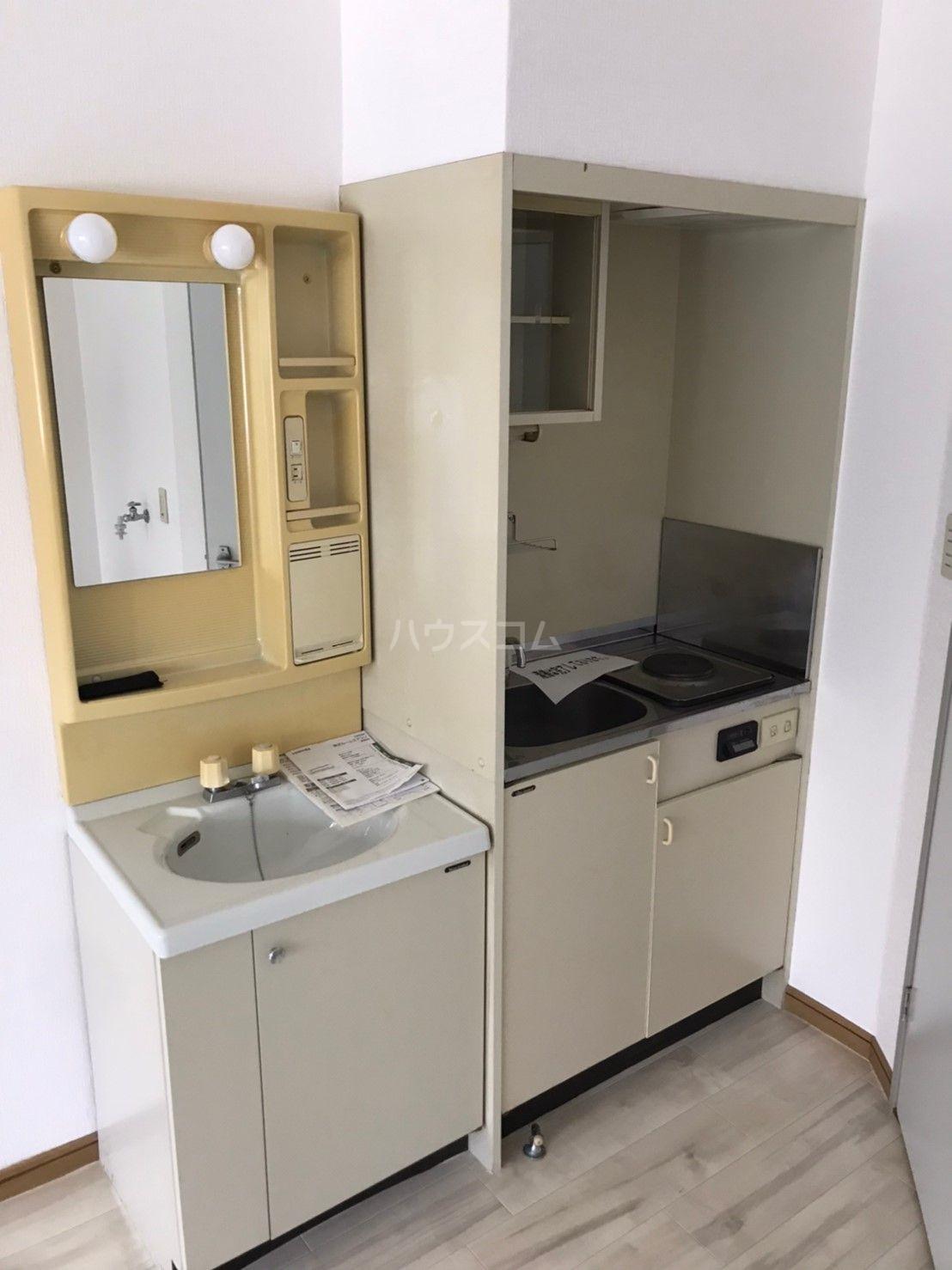 ピサ多の津 102号室の洗面所