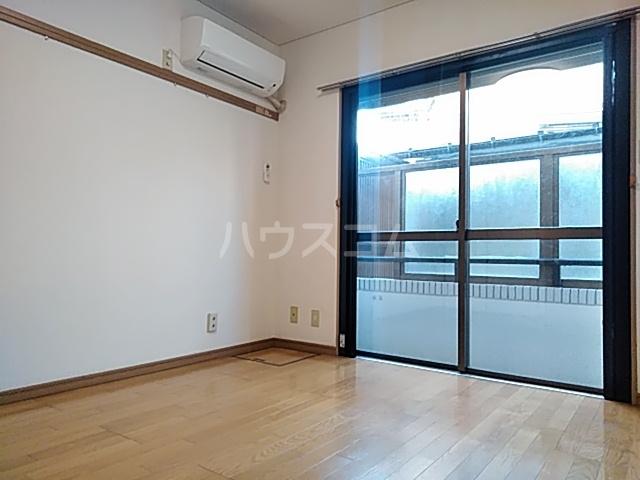 グレース桜 213号室のリビング