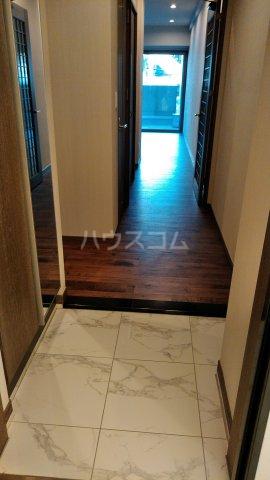 ARKM's-1 302号室の玄関