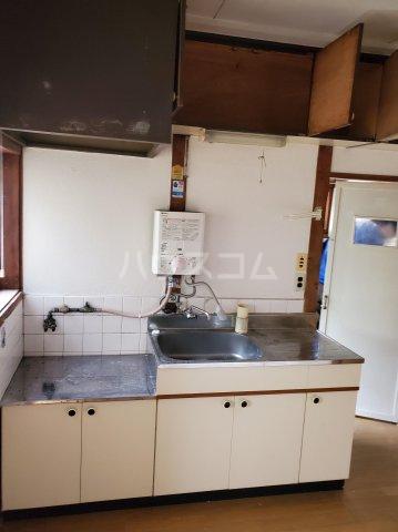 三宅貸家のキッチン
