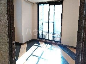 ダイアパレスエクセーブル九州大学前 703号室の居室
