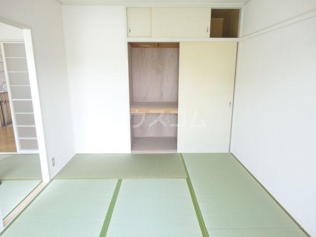 奥田ハイツ 201号室のリビング