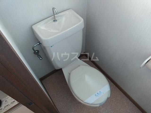 第7ファミリーハイツ 101号室のトイレ