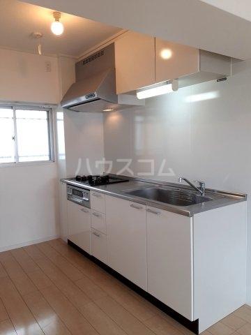 サンコーポタカキ 401号室のキッチン