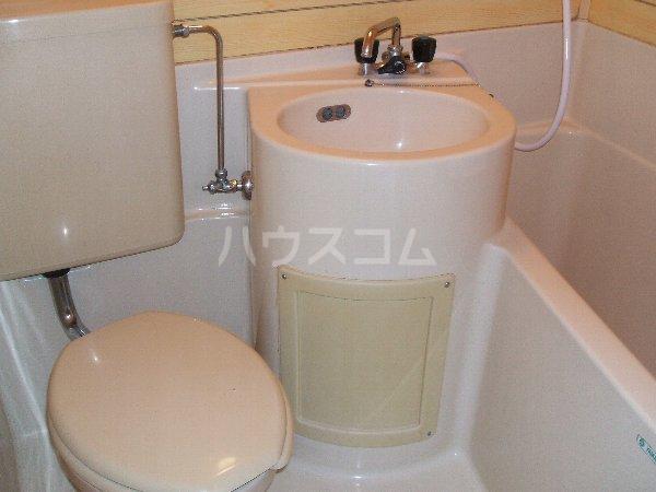 ノア都立大 703号室のトイレ