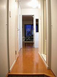エンクレスト天神東 406号室の玄関